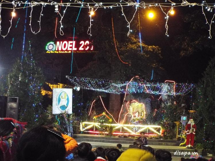 Giáng sinh tại Nhà thờ đá Sapa.